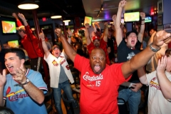 2011 - Cardinals clench playoff spot over Atlanta