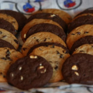 Chocolate Chip and white chocolate chip cookie catering and boxed lunch dish